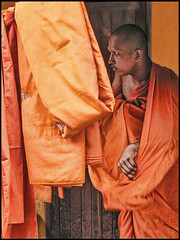 (shadowplay) Tags: thailand buddhism itsongselection1 mirrorsofsociety huahin saffron itsongmirrorssoutheastasia