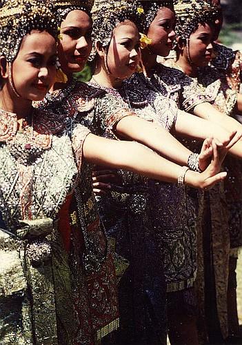 thailand female dancers