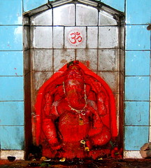 Ganesha (Shrimaitreya) Tags: red india ganesha god ganapati vinayak