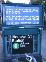 Subway BSOD (finn) Tags: subway bsod bleecker