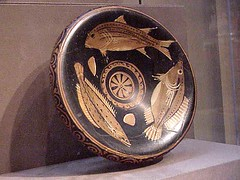 Red-figure Greek serving plate for fish 4th ce...