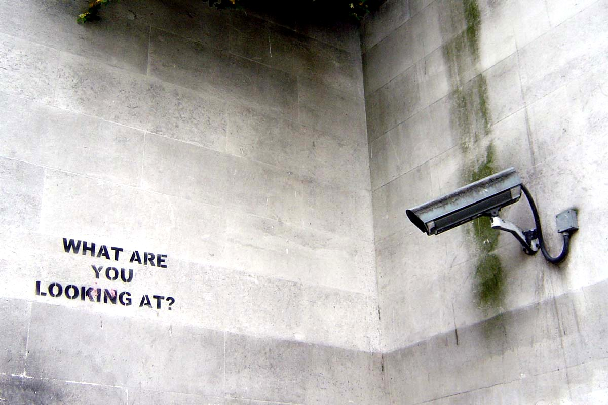 Banksy - What are you looking at ?