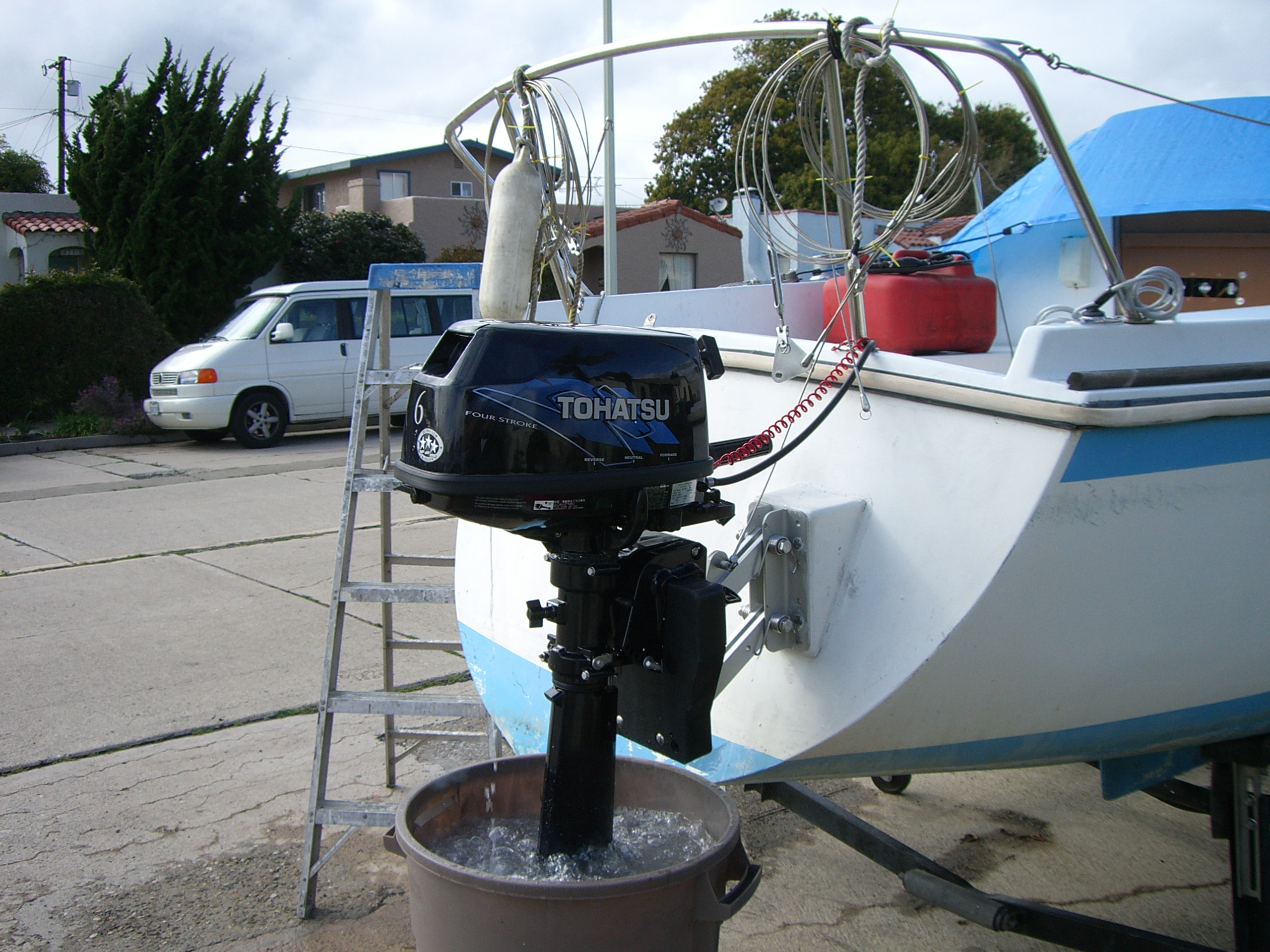 Outboard Motor Does It Have To Sit In The Middle Of The