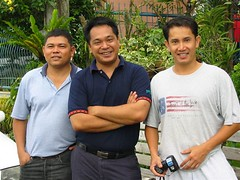 TAKEN DURING OUR VACATION LAST YEAR (please click to enlarge): a reuinion of sorts with my partners in crime for 12 years. si uly on my left at si ting on my right. so far, i have not found anybody as competent and fun loving as these guys.