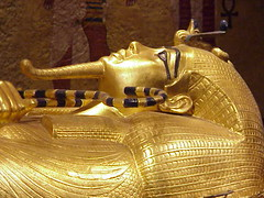 Tut's sarcophagus gleams with gold (mharrsch) Tags: death gold kingtut ancient king lasvegas nevada tomb egypt monarch creativecommons pharaoh sarcophagus burial ritual luxor ruler tutankamun shabti chariot 18thdynasty boyking valleyofthekings tutankhamun howardcarter