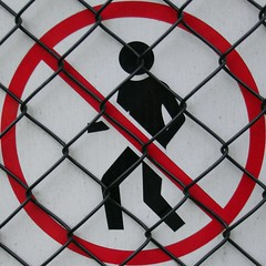 squaredcircle_nogo (nospuds) Tags: squaredcircle sign fence no go nogo trespassing notrespassing