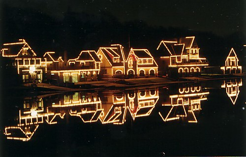 Philadelphia Daily News: Boathouse Row to get new light system Site will go