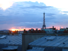 Paris de chez Geri. (Tendance Flou) Tags: sunset sky paris clouds landscape eiffeltower tendanceflou