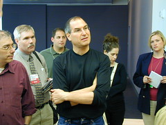 Jobs talks with reporters (flargh) Tags: macs macworld apple macintosh steve jobs