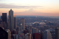 Mount Rainier (eevyl) Tags: travel seattle skyscrapper mountain