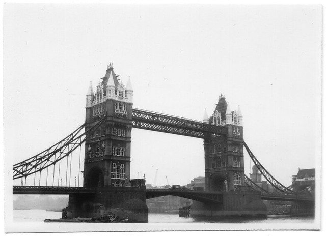 Tower Bridge, 1944