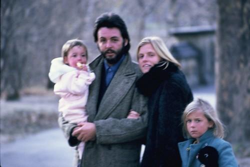 Paul McCartney Family Central Park Dec 1971