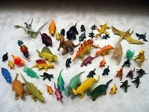 The Great Plastic Dino Census