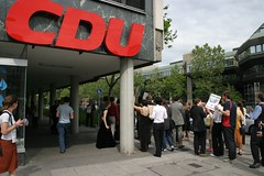 IMG_7332 (quox | xonb) Tags: germany demo europe stuttgart gegenstudiengebhren protest stadtmitte streik freitag jubeldemo prodemo