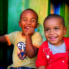 Richard & Ryan - III (carf) Tags: poverty family brazil boys smile brasil kids catchycolors children happy hope kid community child ryan smiles happiness esperana social grandchildren grandson richard 500plus20 hummingbirdxmas ccp happyfaces excellenceportraitpeoplephotos photophilosophy ecbf