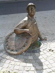 channel digger (Blackwings) Tags: workman arbeiter kanalarbeiter skulptur sculpture denkmal memorial
