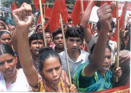 Bangladeshi Spectrum workers protest deaths