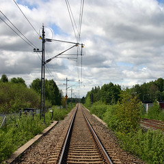 Vanishing Railway track (Steffe) Tags: summer sky green clouds square sweden path haninge vanishing railwaytrack unloved hga nynsbanan