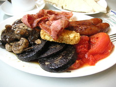 full (bobby stokes) Tags: england breakfast mushrooms bacon tomatoes sausage meat friedegg fryup fullenglishbreakfast hashbrown blackpudding  fullenglish