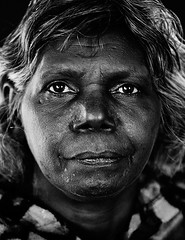 (Paul Gosney) Tags: artist nt 2006 painter aborigine aboriginal indigenous alicesprings centralaustralia paulgosney acmp
