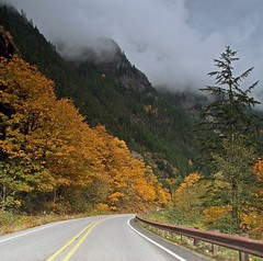 stormy drive (Vida Morkunas (seawallrunner)) Tags: autumn usa mountains color colour fall washington lakes stormy roadtrip northcascades cwall ncnp