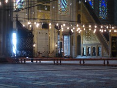 Mihrab and mimber (enfant perdu) Tags: blue turkey türkiye istanbul mosque sultan İstanbul ahmed islamic sultanahmet camii