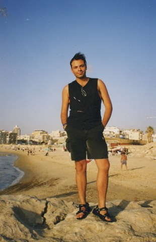 When I was younger so much younger then today. Tel Aviv Israel .Spring 1999 von Ihnen.