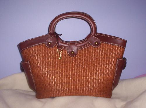 fossil straw-handbag