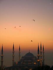 Blue Mosque (H e r m e s) Tags: sun sunrise turkey dom istanbul bluemosque minarets