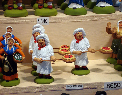 Pizza maker santons, Aix-en-Provence, France