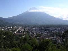 La Antigua vulcano Agua Guatemala America Centrale viaggio immagini foto blog