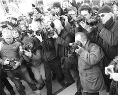_DSF8431 (sergedignazio) Tags: france paris trocadéro tour eiffel street photography photographie rue fuji xpro2 manifestation rassemblement fenmen jacqueline sauvage justice prison