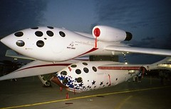 SpaceShip One (Jonathan Thorne CC) Tags: spaceshipone burtrutan eaa airventure virgin whiteknight xprizeoshkosh