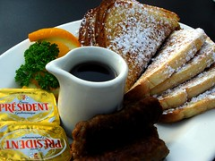 best French toast in town ! (7oO7oO) Tags: food breakfast yummy toast 2006 frenchtoast kuwait johnyrockets mroning