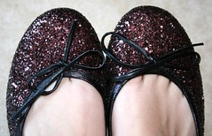 won't you take me to dance (*maya*) Tags: feet sparkles glitter dance ballerina shoes shiny danza dancer sparkle flats glittery scarpe balletslippers sapatilhas paillettes sabrinas spangly brillantini lustrini