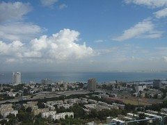 "haifa bay • <a style=""font-size:0.8em;"" href=""http://www.flickr.com/photos/70272381@N00/297260579/"" target=""_blank"">View on Flickr</a>"
