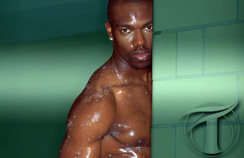 terrell owens shirtless. Terrell Owens re-emerged from