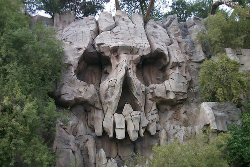'Rock' skull, Treasure Island, Las Vegas by Paul Mannix, on Flickr