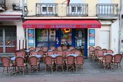 Couleurs de Dijon (nov.-dec. 2016) (godran25) Tags: dijon france bourgogne burgundy couleurs colors café bar pmu gargouille bleu blue red rouge