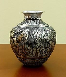 Engraving (Qalam-Zani) Vase