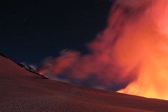 Surrealistic Etna (Thomas Reichart ) Tags: italien red night stars volcano glow great 2006 ash column etna eruption vulkan longtimeexposure sizilien tna ausbruch