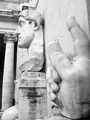 Statue Of Constantine (mattrkeyworth) Tags: italy rome statue roman sony constantine p12 dscp12 mattrkeyworth