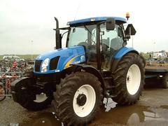Country Fair, Oct. 20, 2006 (Davydutchy) Tags: tractor holland netherlands country fair friesland fryslân newholland thebiggestgroup copyrightdavydutchy