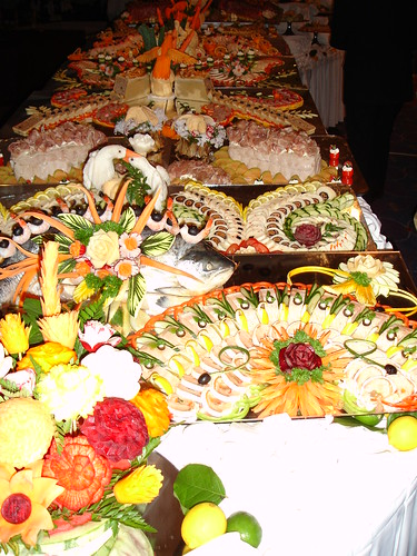 Buffet looks spectacular, but how do you choose?