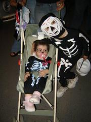 Nuestro primer halloween juntos. (Orcoo) Tags: halloween mexico fun fiesta disfraz nuevoleon monterrey calavera calaca nochedebrujas halloween2006 halloween06 orcoo divercion