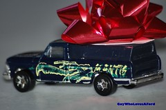 Ford Truck w/Camper and X-mas Bow (guywholovesaford) Tags: xmas hot ford truck d50 mantis miniature nikon praying bow camper whell