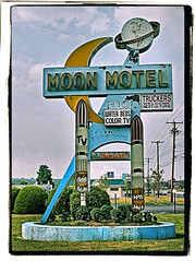 Moon Motel (FotoEdge) Tags: moon newjersey neon nj rusty motel vacancy crusty gardenstate truckers howell colortv moonmotel waterbeds steelsigns vintagesteelsigns