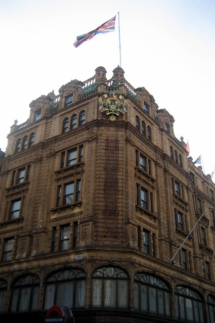 UK - London - Knightsbridge: Harrods by wallyg
