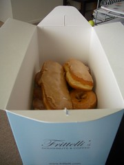 take home (jslander) Tags: la donuts donut doughnut beverlyhills doughnuts frittellis frittellisdoughnuts