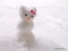 snow kitty (nemuneko.jc) Tags: hello christmas pink winter red snow snowman hellokitty kitty 2006 powder sanrio bow kawaii xmasblog snowkitty impressedbeauty